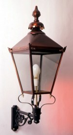 Oxford lantern pictured on Short Scroll bracket